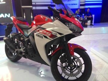 yamaha r25 motorblitz