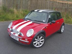 mini-cooper-red-white-stripes-picturcarpapernete