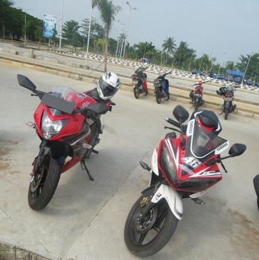 Ninja 250 SL (Ninja 250 RR Mono) dengan Yamaha R15