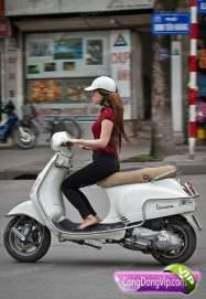 gadis cantik naik motor 2