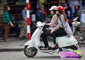 gadis cantik naik motor 9