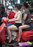 gadis cantik naik motor f