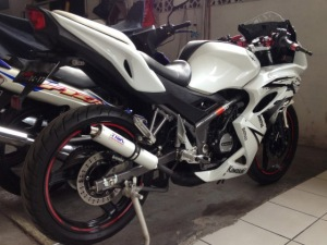 ninja 150 rr putih _