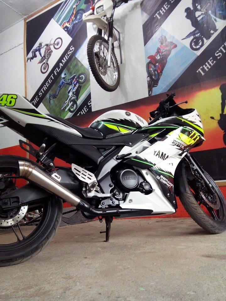 Yamaha R15 Ganti Striping Bikin Tambah Pangling