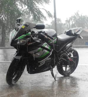yamaha r15 striping black green