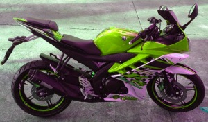 yamaha r15 striping green