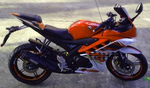 yamaha r15 striping orange