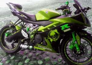 yamaha r15 striping x green