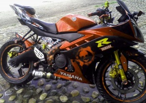 yamaha r15 striping x orange kuning