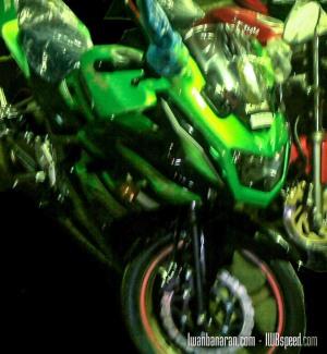 Ninja 150 RR warna