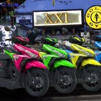 Warna hijau, kuning, orange, biru, ungu, pink New Honda Vario 125 dan vario 150 eSP, pas banget buat selfie.