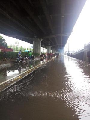 banjir jalan jakarta 2015 (2)