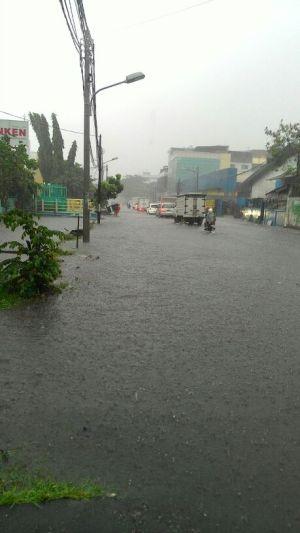banjir jalan jakarta 2015 (3)