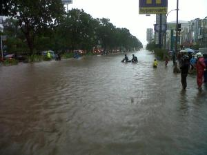 banjir jalan jakarta 2015 (5)