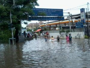 banjir jalan jakarta 2015