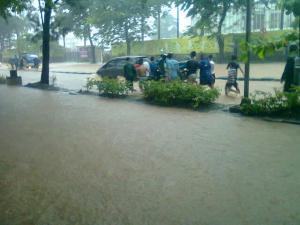 banjir jalan jakarta_ (16)