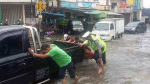 banjir jalan jakarta_ (18)