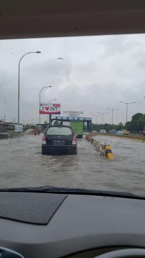 banjir jalan jakarta_ (29)