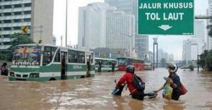 meme banjir jakarta 2015_2