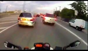motor ngebut di kemacetan 4