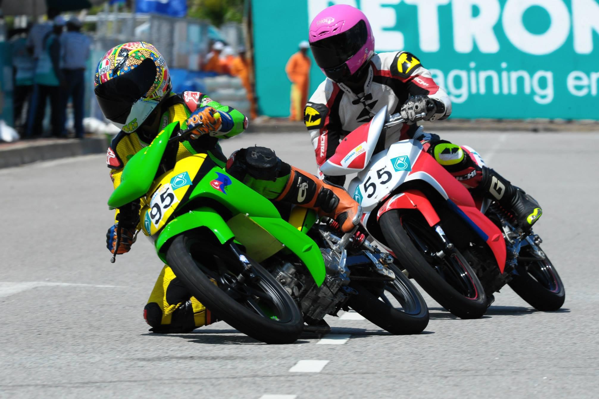 Foto Melihat Dari Dekat Road Race Indonesia