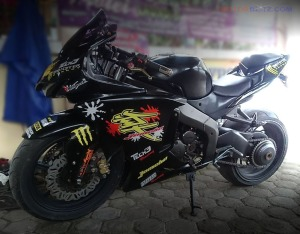 Yamaha Scorpio Modifikasi Fairing (9)