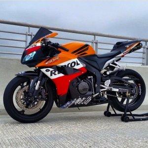 Honda CBR1000R Fireblade (14)