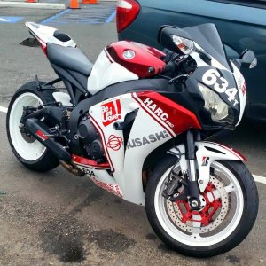 Honda CBR1000R Fireblade (5)