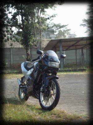 Suzuki rg 150 r (13)