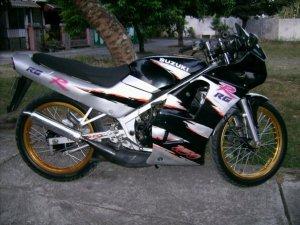 Suzuki rg 150 r (17)