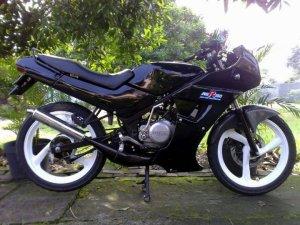 Suzuki rg 150 r (2)