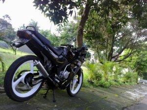 Suzuki rg 150 r (3)