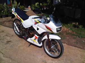 Suzuki rg 150 r (5)