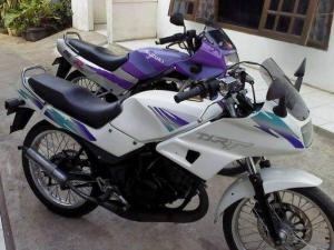 Suzuki rg 150 r (8)