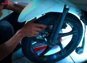 laher roda motor rusak