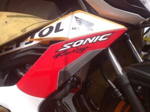 Honda Sonic 150R Repsol (5)