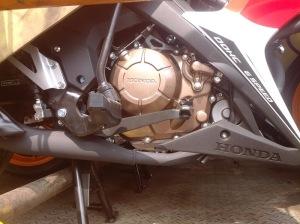 Honda Sonic 150R Repsol (6)