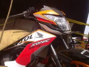 Honda Sonic 150R Repsol (9)