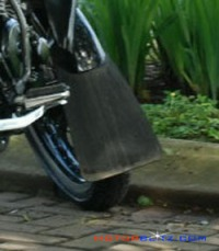 spakbor motor tambahan pelindung cipratan air