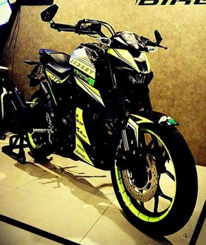 yellow kuning modifikasi Yamaha Xabre 150 M-Slaz (18)