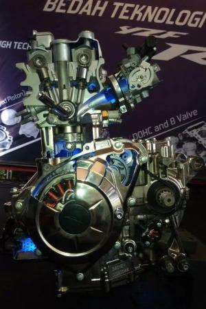cbr250rr-engine